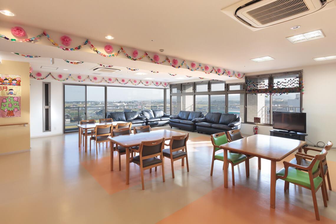 桜 リビングルーム